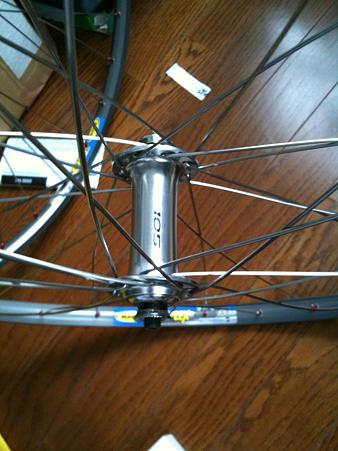自転車ホイールを組む ...