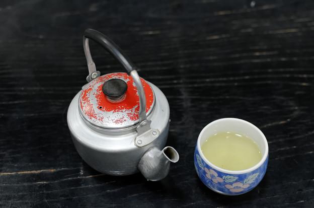 お茶、どうっすか~?