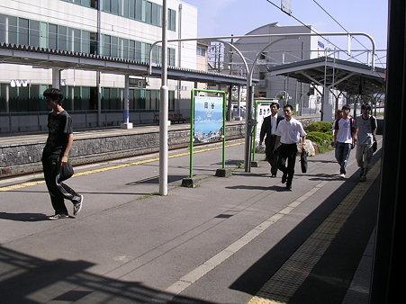 岡谷駅ホーム