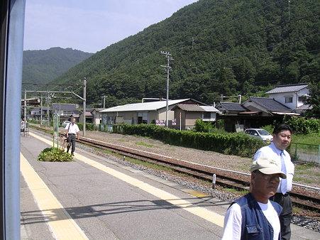 田沢駅ホーム