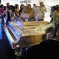 写真: 200909_YOSHIKI CRYSTAL PIANO(1)