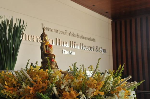 Photos: ホテル入り口