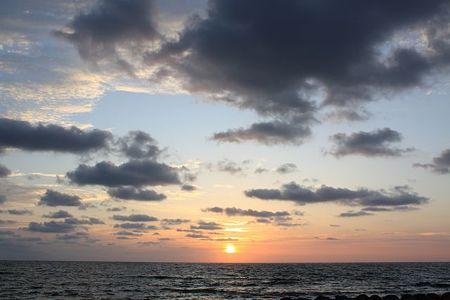 雲と朝日と海@能登