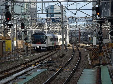 E257系中央本線(新宿駅)