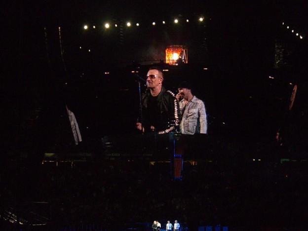 2009-09-24_U2 (23)CurtainCall_3_R