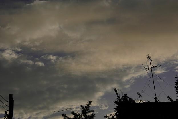 練乳色に染まる雲 002