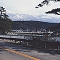 写真: 雪を被った鳥海山