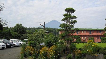 忍野八海からの富士山