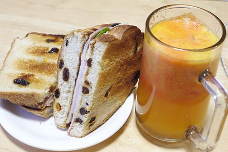 今日の朝食