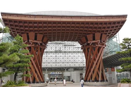 金沢駅東口