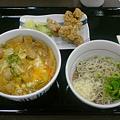 Photos: なか卯 親子丼+冷やし小そば+から揚げ