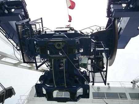 090613-しんかい 後甲板 (4)