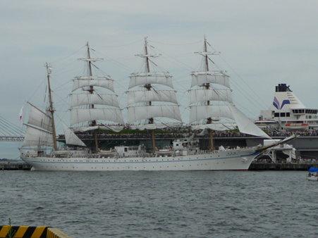 090720-大桟橋 総帆展帆 (36)
