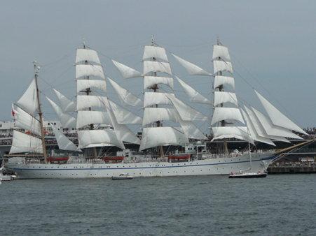 090720-大桟橋 総帆展帆 (52)