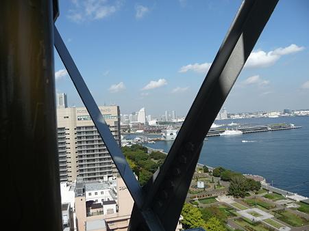 091012-マリンタワー 階段 (27)