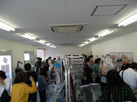 091019-Y150 バーゲン会場 (2)