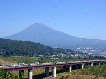 富士川SAから望む富士山