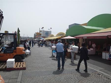 震災後の那珂湊おさかな市場