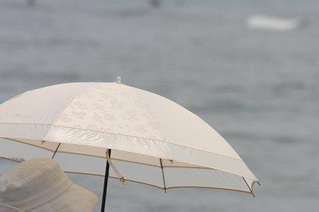 2009.06.13 七里ガ浜 日傘