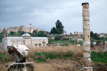 2011.01.23 トルコ 古代都市エフェス アルテミス神殿跡からビザンツ時代の城塞