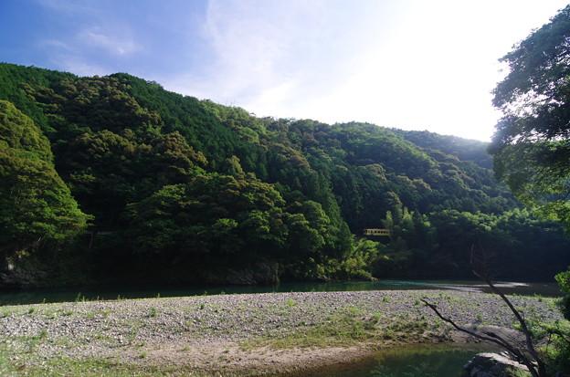 錦川沿いに走る清流線