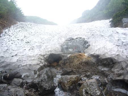 急坂の雪渓
