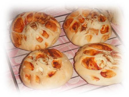 ゆで卵丸ごとパン