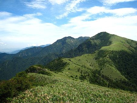 堂ヶ森から伸びる稜線